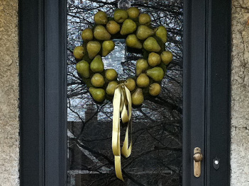 Door_Pear_Wreath_CU
