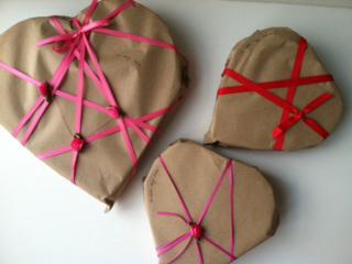 Feb_Paper_hearts_3_H